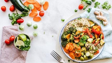 Какви храни да консумираме по време на Великденските пости?