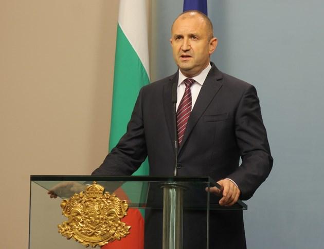 Президентът ще разпусне Народното събрание на 16 септември