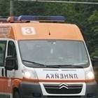 Кола се вряза в заведение в Дупница, има загинал и двама ранени
