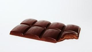 Шоколадът подобрява кръвното налягане