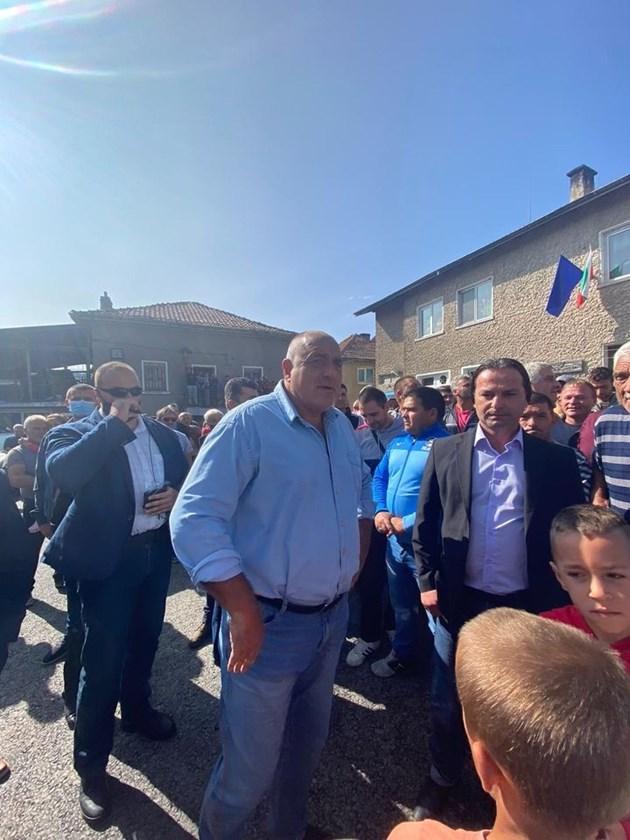 Борисов: Опоненти лъжат, че новите пътища във Велинград ще са за мина за волфрам (Видео, снимки)