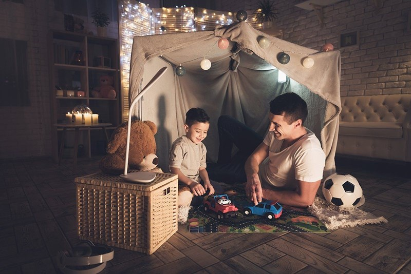 Класическа наслада е да се криеш в палатка.