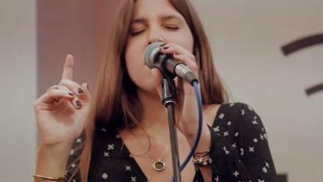 Внучката на Симеон Сакскобургготски издава албум (Видео)