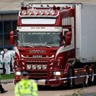 Седем души обвинени за смъртта на 39-те мигранти, открити в камион край Лондон