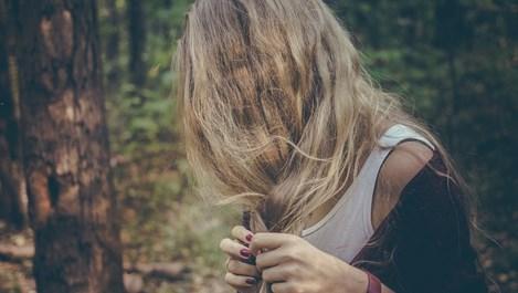 Как да се грижим правилно за изсветлената коса