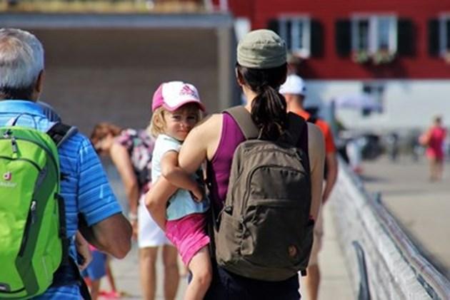 Нов прием за родители с нужда от детегледачи