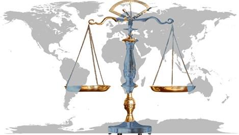 Странни закони от целия свят, които туристите трябва да знаят