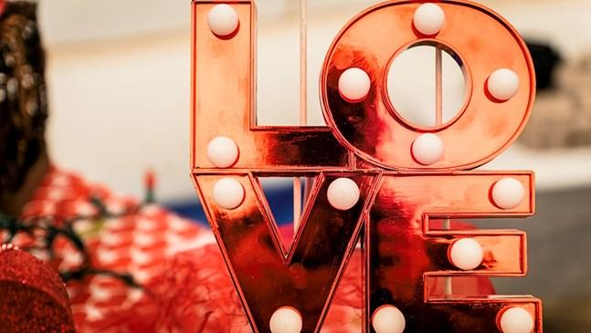 5 идеи за прекарване на Свети Валентин, ако няма на кого да оставите децата