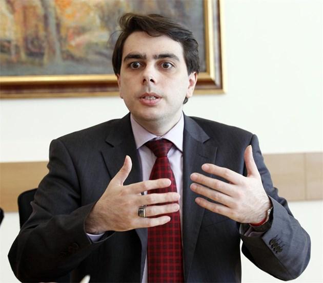 Асен Василев обясни защо смени шефовете на НАП и на митниците
