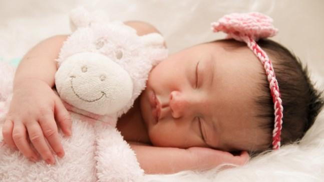 Как всъщност сами пречите на бебето си да спи