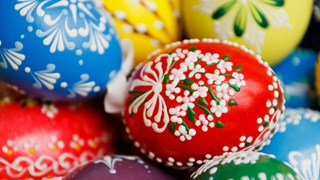 7 нестандартни начина за боядисване на великденските яйца
