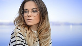 Перфектният грим за дами с очила