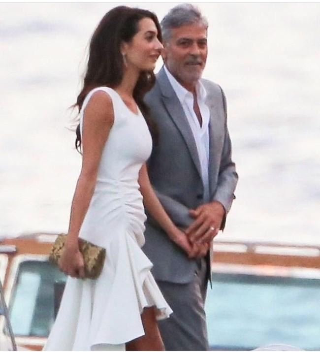 Джордж Клуни и Амал на път за Гранд Хотел Тремецо на езерото Комо.