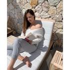 Ана Иванович се теши с книжка