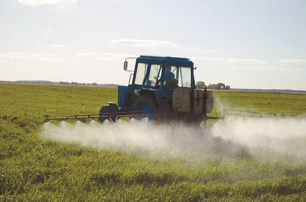 Недостигът на химикали за агроиндустрията може още повече да се задълбочи в края на пролетта, смята ЕЦБ.