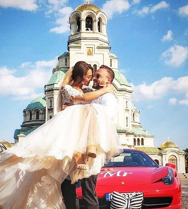 Сватбата беше в края на септември
