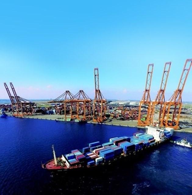 """Китайски инвестиции правят """"Пирея"""" едно от най-големите средиземноморски пристанища"""