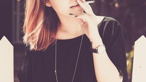 Кърмене и цигари?
