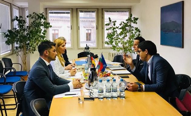 Ангелкова договаря новия туристически сезон на посещение в Германия
