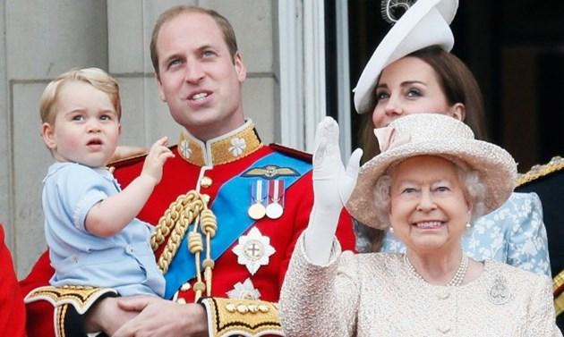 Кралица Елизабет слиза от престола