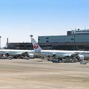 Японските авиолинии дават по 1400 долара надбавки на служителите си