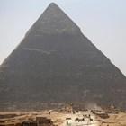 Египет разследва датски фотограф – правил секс на върха на пирамидата в Гиза (Видео)