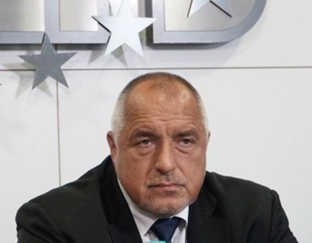 Борисов е увеличил с малко спестяванията си, Кирил Петков обяви над един милион лева в чужбина