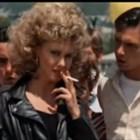 """Тоалетът на Оливия Нютън-Джон от  """"Брилянтин"""" отива на търг (Видео)"""