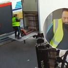 Българин се крие с 4400 часовника