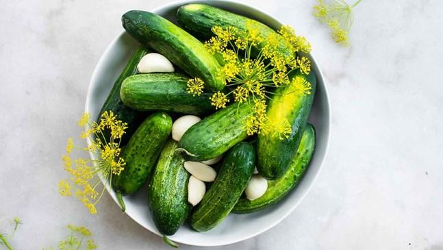 Оцет и кисели краставички помагат на бременните с киселини