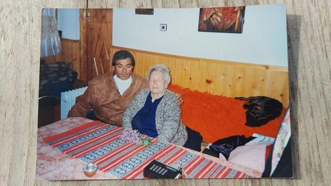 Ванга и шофьорът й Жоро Търнаджиев, 1993 г.