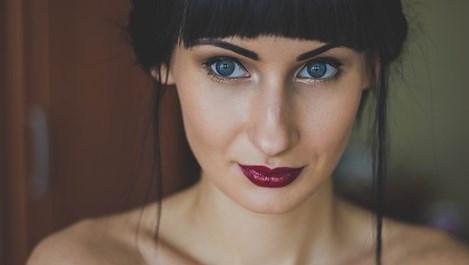Майсторски клас по красота: 3 трика за дръзки устни