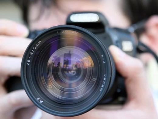 Коронавирусната пандемия затруднява работата на журналистите