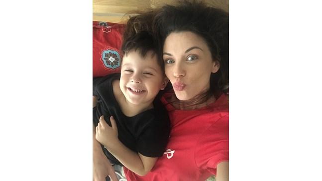 Диляна Попова не е  строг родител, оставя  това на Асен Блатечки