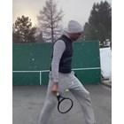 Федерер тренира в снега