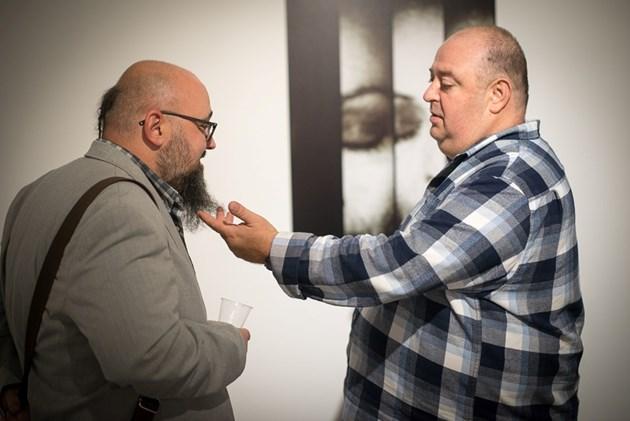 Нейков подкрепи изложба срещу самоубийството