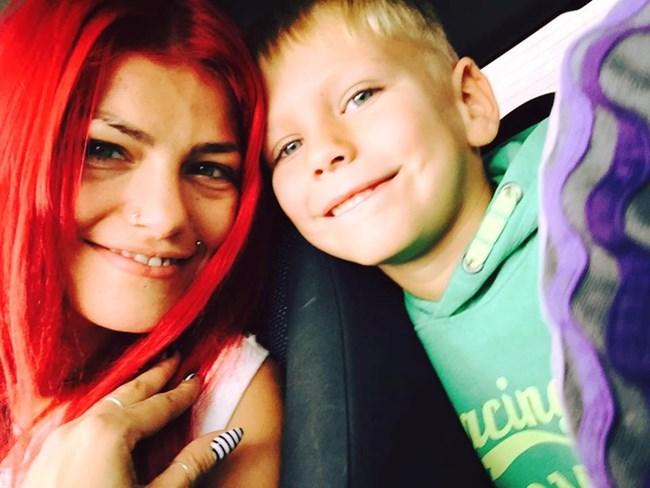 С 6-годишния си син Леон