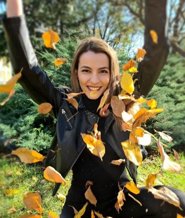 Неда Спасова: Извратена съм!