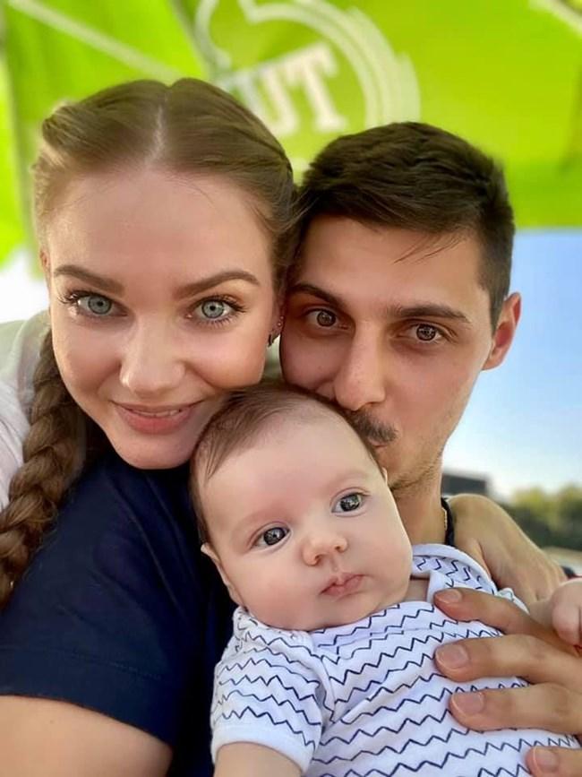 Нанси Карабойчева със семейството си