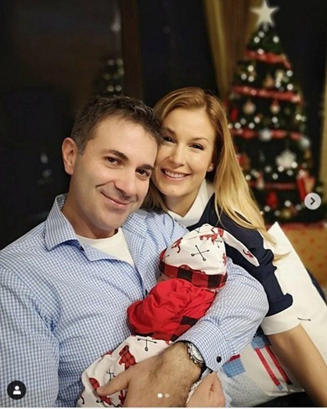Венелин Петков с Николета Маданска и сина им Йоан