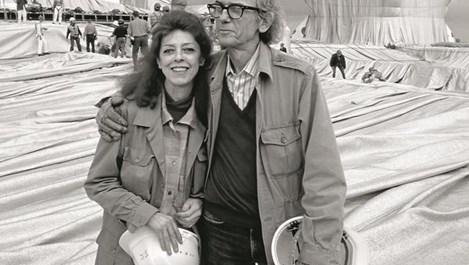 Кристо и Жан-Клод се влюбват дни, след като тя се е омъжила за друг