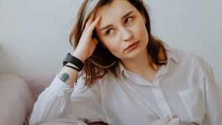 Главоболието при жените: имат ли намеса хормоните