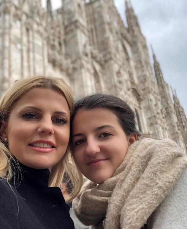 Вдовицата на Шарлопов грее в Милано