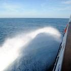 Ферибот се обърна в Индонезия, 15 загинаха
