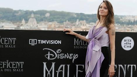 Анджелина Джоли и Мишел Пфайфър бляскави в Рим (Снимки)
