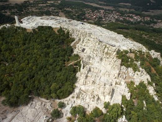 Осем ротонди като в Древния Рим разкриха археолози на Перперикон