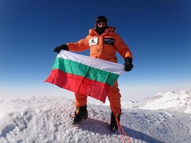 Атанас Скатов изкачи втория си осемхилядник тази година връх Гашербрум 1