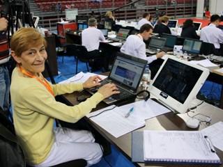 Вера Маринова - легендата, която разплака Живков и си отряза косата заради шефа си