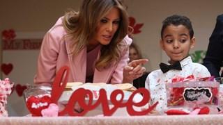 Как Мелания Тръмп прекара Свети Валентин (Снимки)