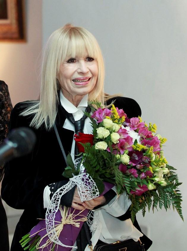 Лили Иванова в любовен триъгълник - България Днес